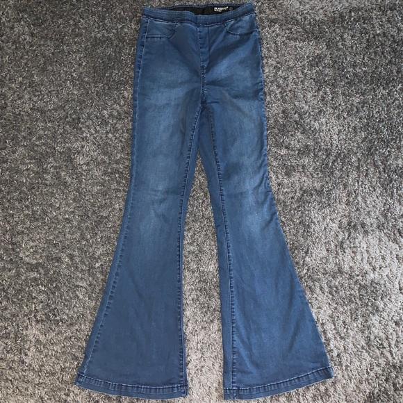 Blank NYC Denim - BlankNYC Pull on Belle Bottom Jeans